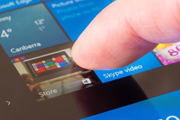 Clicking-the-Windows-Store-icon-000096319757_Medium-1.jpg