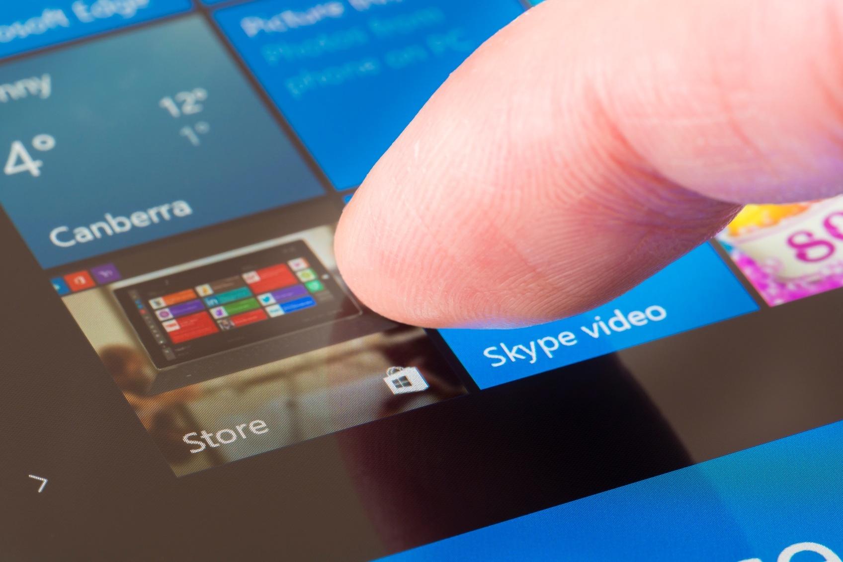 Clicking-the-Windows-Store-icon-000096319757_Medium.jpg